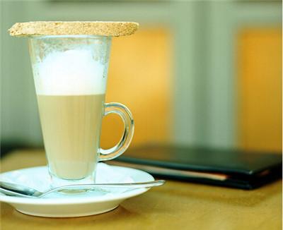 奶茶中含有不健康成分