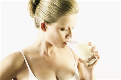 剖腹产坐月子可以喝牛奶吗