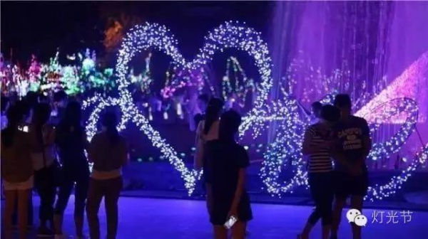 美爆了!观音山·玫瑰灯光节,4000张门票免费送!