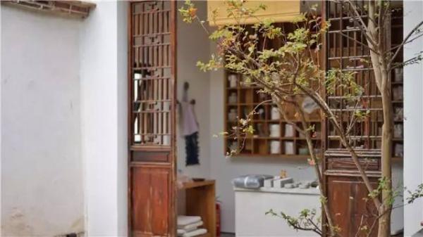 发现厦门|这座藏于巷弄、有着130年历史的闽南古厝,设计师只花了13个月便让它重获新生