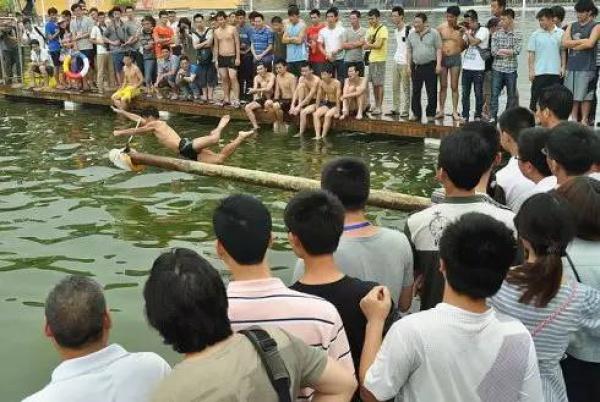 不止看龙舟,集美的龙舟池竟然还能捉鸭子!