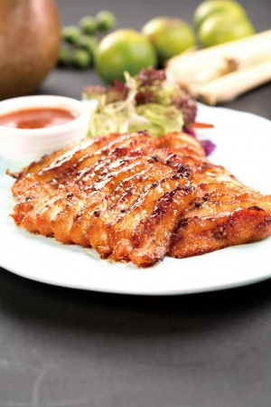 集美好料丨星洲蕉叶&星洲椰场双店齐开~全场菜金五折,还要请你免费吃鸡!